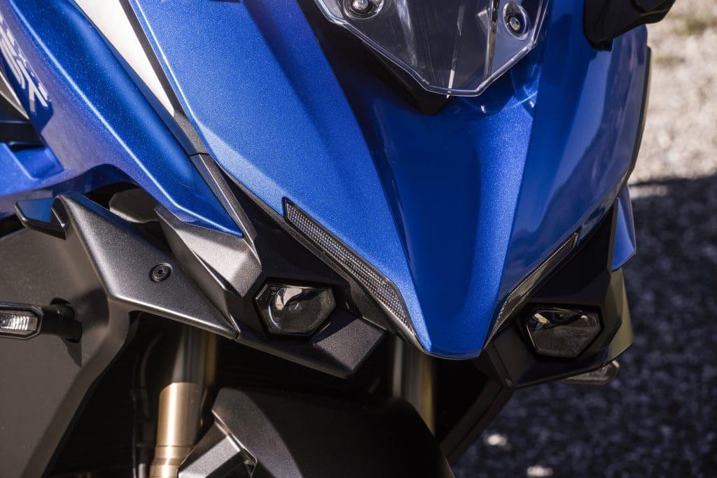 GSX-S1000GT front